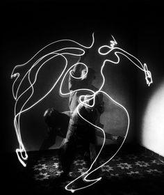 Lichtmalerei, auch Lightpainting genannt, ist sicherlich schon vielen von euch begegnet. Mit Licht malen - wir zeigen euch wie!