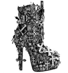 crucifix boots how awesome Goth Shoes, Funky Shoes, Crazy Shoes, Me Too Shoes, Weird Shoes, Dream Shoes, Dark Fashion, Gothic Fashion, Fashion Shoes