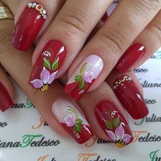 Que nota de 0 a 10 para esta unha??? Elegant Nails, Stylish Nails, Trendy Nails, Purple Nail Art, Pink Nails, Gel Nails, Fingernails Painted, Luminous Nails, Nail Designer
