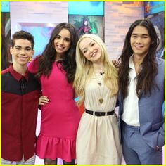 Sofia Carson & Booboo Stewart Bring 'Descendants' To London ...