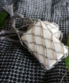 Diy-saippuapussi palasaippualle – katso helppo ohje! Kotiliesi.fi Diy And Crafts, Diy Projects, Knitting, Gifts, Food, Crochet, Yard Art, Upcycled Crafts, Favors