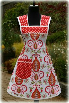 Whimsy Doodle Retro Apron where is the pattern? what's this one called? Retro Apron Patterns, Vintage Apron Pattern, Apron Pattern Free, Aprons Vintage, Sewing Patterns Free, Dress Patterns, Sewing Aprons, Sewing Clothes, Look Retro