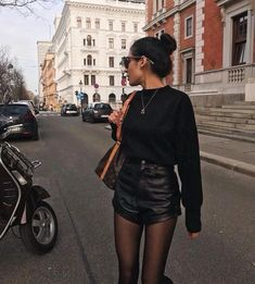 it's a transitional time you know? wearing our cuffed leat… it's a transitional time you know? wearing our cuffed leather shorts Winter Shorts Outfits, Winter Fashion Outfits, Fall Winter Outfits, Look Fashion, Autumn Fashion, Summer Outfits, Fashion Clothes, Party Dress Outfits, Floral Fashion
