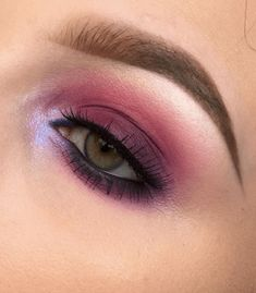 32 The Best Valentine's Day Makeup Ideas Look More Beautiful - Valentine's day is practically around the bend, and I'm certain there is a great deal of us who are intending to go through this unique day with your . Day Makeup Looks, Love Makeup, Beauty Makeup, Hair Makeup, Makeup Geek, Makeup Inspo, Makeup Inspiration, Makeup Ideas, Makeup Tips