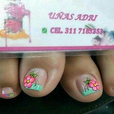 Cute Pedicures, Toe Nail Designs, Glitter Nail Art, Toe Nails, Erika, Pretty, Work Nails, Pretty Toe Nails, Simple Toe Nails