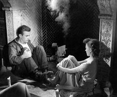 James Dean and Natalie Wood on set if Rebel without a cause Natalie Wood, Hollywood Actor, Classic Hollywood, Hollywood Icons, James Dean Photos, Rebel Without A Cause, He Makes Me Happy, Jimmy Dean, East Of Eden