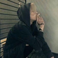 I feel like i need some smoking rn but my family is home. Boys Korean, Korean Boys Ulzzang, Ulzzang Couple, Ulzzang Boy, Asian Boys, Asian Men, Beautiful Boys, Pretty Boys, Cute Boys