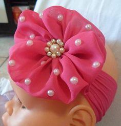 - by Cris Figueired♥ Flower Hair Bows, Diy Hair Bows, Diy Baby Headbands, Baby Bows, Diy Ribbon, Ribbon Bows, Baby Sewing Projects, Making Hair Bows, Diy Hair Accessories