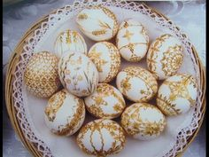 Easter egg decorating with a straw - Czech Cookbook - YouTube