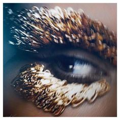 """""""I loved working with @patmcgrathreal for the 1st time. Her idea of recreating a modern day Cleopatra was fascinating to be a part of for @VioletGrey…"""""""