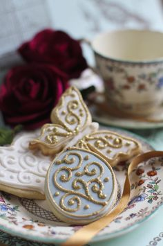 Beautifully hand Iced biscuits | Juliet Stallwood Cakes & Biscuits