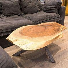 Кофейный столик в стиле live edge из невероятно фактурного грецкого ореха для нашего клиента готов. Подстолье выполнено из стали. Грецкий орех - уникальное по своему рисунку и фактуре дерево. Изготовим подобный стол любого размера. __________ ☑️ Все изделия изготавливаются на заказ. Древесину, форму, размер, цвет вы выбираете сами. ☑️ На все изделия гарантия 12 месяцев. ☑️ Доставка по РФ и всему миру. Приглашаем к сотрудничеству дизайнеров и архитекторов. ___________ Для заказа и по всем ...