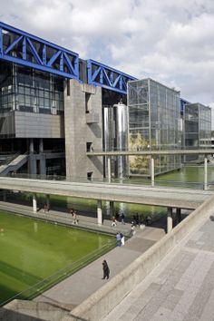 Cité des Sciences et de l'industrie, La Villette, 75019 Paris.