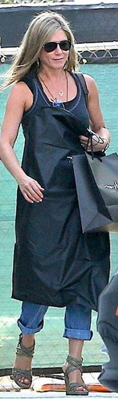 Jennifer Aniston: Sunglasses – Oliver Peoples Jacket – AG ...