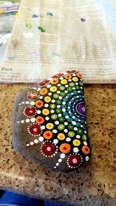 DIY Mandala Stone Patterns To Copy (27)