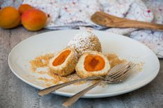 Living in a house surrounded by apricot trees for quite some time, apricot season meant preserving lots of apricots as jam but also using plenty of apricots in cakes and of course for this Austrian… Apricot Season, Sweet Dumplings, Apricot Tree, Alps, Preserves, Plating, Brunch, Trees, Dishes