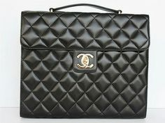 Large Kelly: For a slightly more corporate take on the Chanel bag, this style is perfect for professionals. A different spin on the classic 2.55 – and we love it!