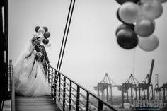 Great view - great Shoot. #wedding #couple #shooting #ideas #Hamburg