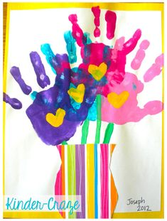 adorable handprint bouquet. Perfect for Mothers Day!