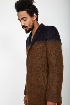 I'm thinking that you might be able to DIY a thrift store coat like this!