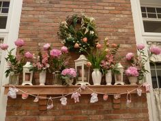 Vintage-Inspired Shabby-Chic MantleScape