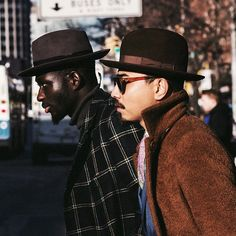 lookrichshopcheap:  Hat Game • En Route. #NYFW.  Shot by @willis_in_focus. (at www.dennybalmaceda.com)