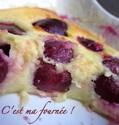 This is my batch: The cherry clafoutis Guy Savoy Sweet Recipes, Cake Recipes, Dessert Recipes, Chefs, Clafoutis Recipes, Cherry Clafoutis, Mousse, Desserts With Biscuits, Fondant