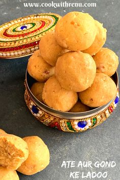 Atte aur Gond ke ladoo is a traditional winter delicacy that is very healthy and provides the body with the required amount of needed calories. #Winterwarmers #winterfood #ladoo #gondladoo #atteaurgondkeladoo #attekeladoo #northindian #vegetarian #foodie #food #recipe #easy #healthy #sweet #dessert Good Food, Yummy Food, Delicious Recipes, Edible Gum, Vegetarian Lunch, Indian Sweets, Base Foods, Winter Food, Kids Meals