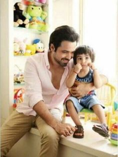 Emran Hashmi with son