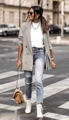 Oversized blazer / street style fashion / Fashion week Source by fromluxewithlove Outfits for work Mode Outfits, Fall Outfits, Casual Outfits, Fashion Outfits, Womens Fashion, Blazer Fashion, Dress Casual, Fashion Boots, Latest Fashion