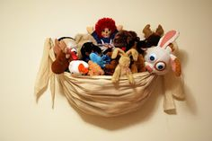 The Better Nester: Wall Hanging Stuffed Animal Storage Tutorial