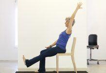 6 Relaxačné stoličky-založené jogy predstavuje pre seniorov s artritídou