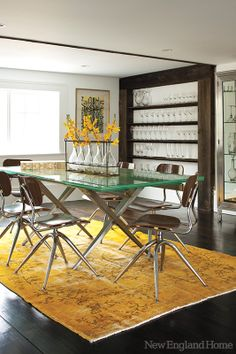 The Dining Room In This Westport, Conn. Home Feature A Roche Bobois Glass  Table