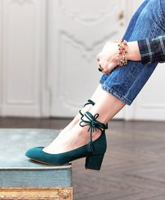 Classy, Comfortable Green Suede Lace Up Round Toe Chunky Heels Pumps for Office Ladies you best choice for Work, Going out -TOP Design by FSJ Pretty Shoes, Beautiful Shoes, Cute Shoes, Me Too Shoes, Women's Shoes, Shoe Boots, Flat Shoes, Prom Shoes, Louboutin Shoes