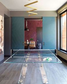 How stunning is our Lungolinea in this Soho apartment? IMPATIA game table Lungolinea, transparent table, dining table, playing table, ping pong, made in Italy