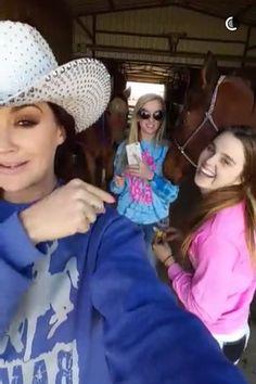 ❤️ Fallon Taylor, Barrel Racing Horses, Best Friend Photos, Blue Wedding Dresses, Horse Stuff, Barrels, Camo, Bucket, Women's Fashion