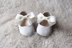 White Baby Mary Jane with Cream White Bow NB-9M