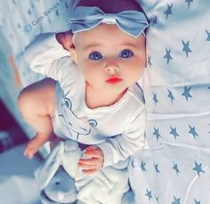 Very Cute Baby, Cute Baby Boy, Cute Little Baby, Baby Kind, Baby Love, Cute Kids, Baby Girl Images, Cute Baby Girl Pictures, Beautiful Children