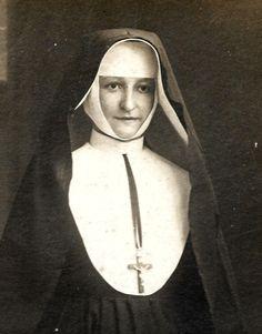 Catholic Nun picture * Antique Belgian Cabinet original Photograph * Religious souvenir card c.1900s * Paper ephemera by ExcusemyFrenchShop on Etsy