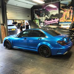 C63 AMG blue chrome wrap - Yiannimize