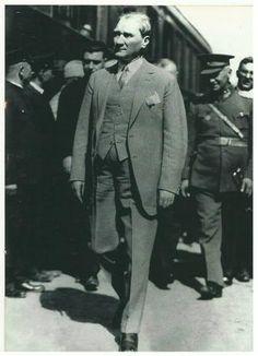 Cumhuriyet Gazetesi - (Fotoğraf) Natali Avazyan'ın arşivinden Atatürk'ün hiç görülmemiş fotoğrafları