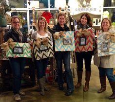 Pallet Wood Picture Frame Workshop! #arts #crafts #workshop #repurposed #sisters #girlfriends