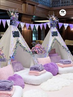 Teepee Sleepover Party - Party in Purple sleepover setting. Birthday Sleepover Ideas, Sleepover Room, Sleepover Birthday Parties, Birthday Party For Teens, Sleepover Activities, 12 Birthday Ideas, Slumber Party Ideas, Slumber Party Decorations, Kids Spa Party