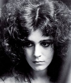 Sean Young lets her hair down in Blade Runner