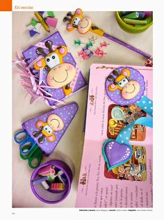Como hacer jirafa en 2d foamy Diy Home Crafts, Crafts For Kids, Foam Crafts, Paper Crafts, Mini Mo, Merian, Book Making, Diy Gifts, Activities For Kids