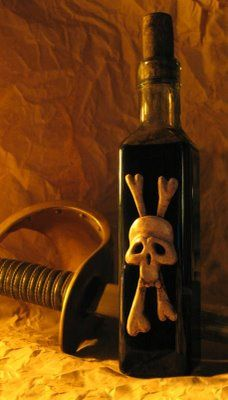 DIY Dave Lowe's Black Spot Pirate Poison bottle with Sculpey. Might make an ink bottle  like this.