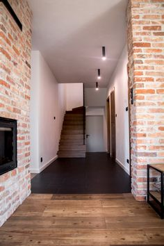 Ceglane wnętrza Elizy i Tomka! - Kocham urządzanie - bo mamy serce do wnętrz Sweet Home, Garage Doors, Stairs, Loft, Interior, Outdoor Decor, Smallest House, Design Room, Home Decor