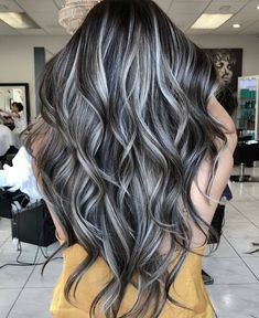 This is it, this is what I want.😍 Brown Hair Going Grey, Brown Hair With Silver Highlights, Brown Blonde Hair, Balayage Hair Grey, Long Grey Hair, Black And Grey Hair, Black Hair With Highlights, Going Gray, Brunette Hair