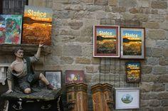 """W poszukiwaniu słońca moje """"Słońce za zakrętem"""" wędruje radośnie :) Na początek targ staroci w Arezzo."""