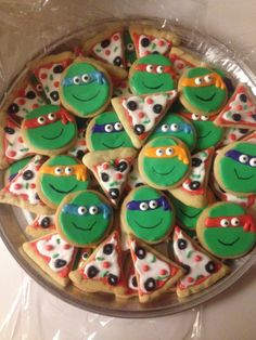 Teenage mutant ninja turtle cookies and pizza cookies. Great for a boy's birthday party! Turtle Birthday Parties, Ninja Turtle Birthday, Ninja Turtle Party, Birthday Ideas, 4th Birthday, Ninja Party, Ninja Turtle Wedding, Carnival Birthday, Cake Birthday